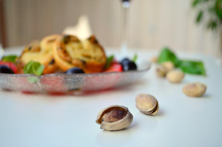 Palmeritas de pesto con pistachos