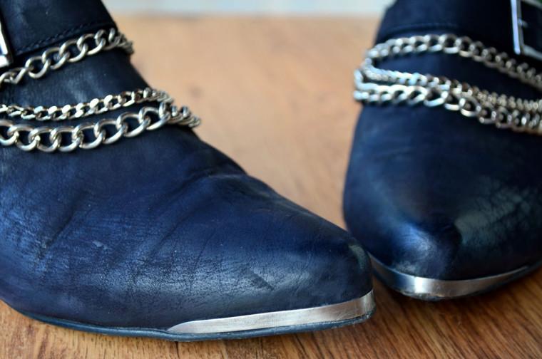 Botines con cadenas