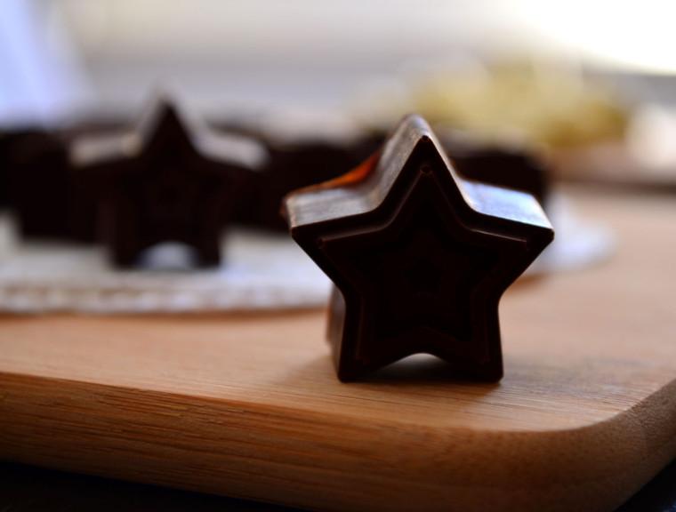 Bombones_chocolate_negro_petazetas