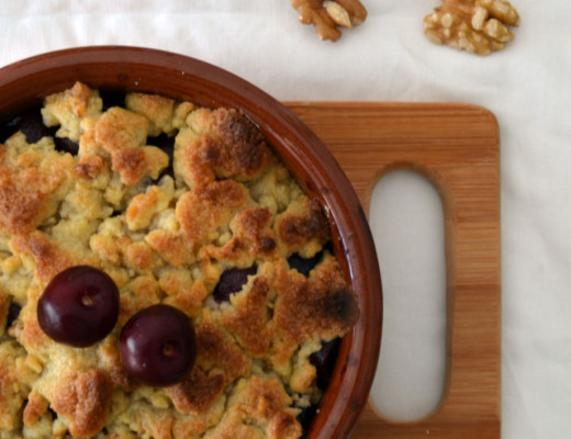 Crumble_cereza_picota_nueces_receta