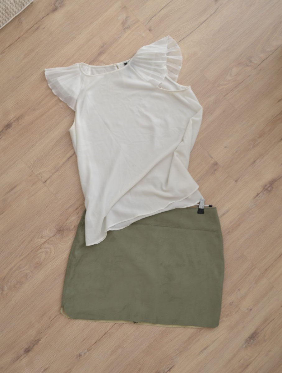 Falda_ante_verde_camisa_blanca