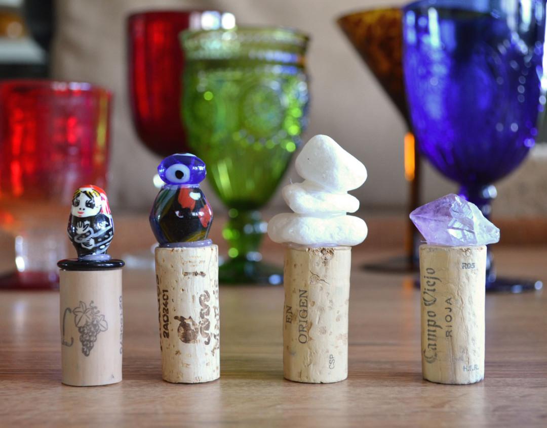 Tapones_corcho_decorados_botella_vino