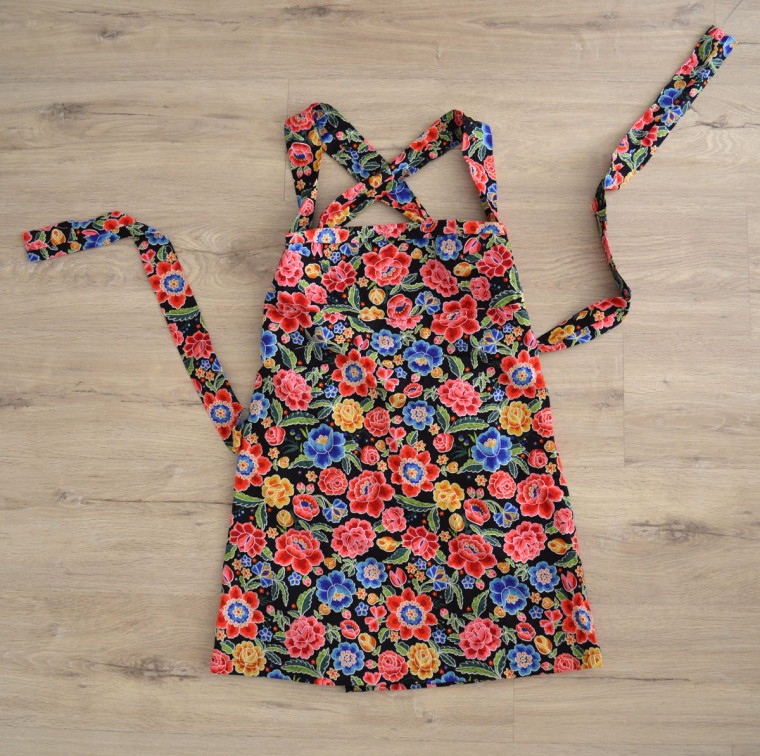 Vestido floVestido flores espalda cruzadaVestido flores espalda cruzadares espalda cruzada