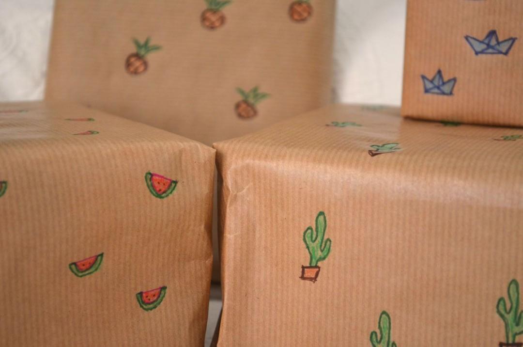 Papel regalo personalizado pintado