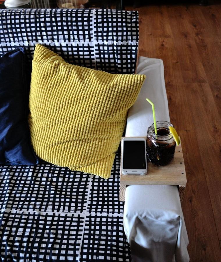 Mesa para brazo sofa con madera palet