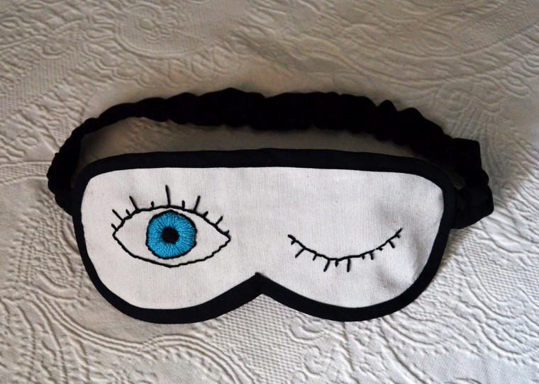 antifaz-dormir-diy-ojos-bordados